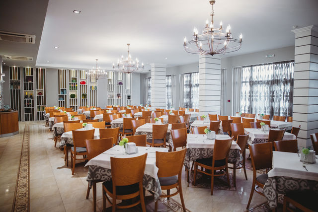 Wela Hotel - Food and dining